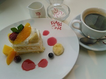 フラッグスカフェ② フルーツショートケーキセット1080込 (1).jpg